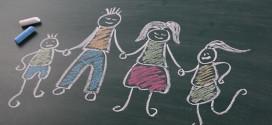 明石市が離婚届に待った!日本で初めて離婚前講座を導入。目的は子ども達を守るため。